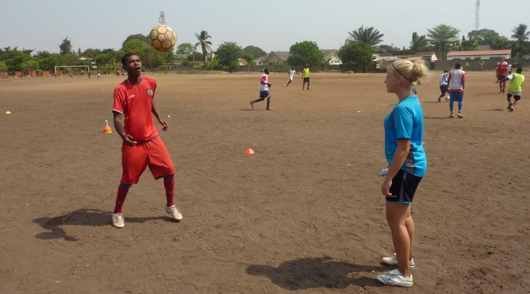 Projects Abroad High School volunteer practices soccer techniques in Ghana during her Football Coaching project.